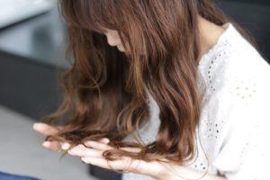 紫外線対策をして紫外線のダメージから髪を守りましょう。